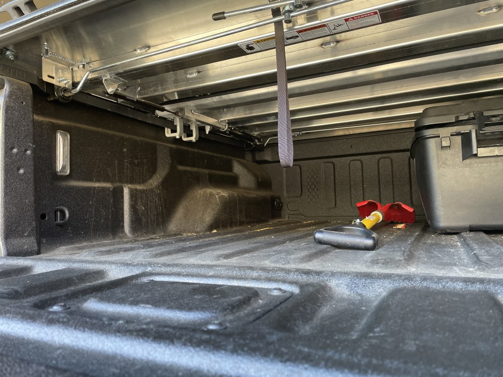 diamondback hd truck bed cover build quality